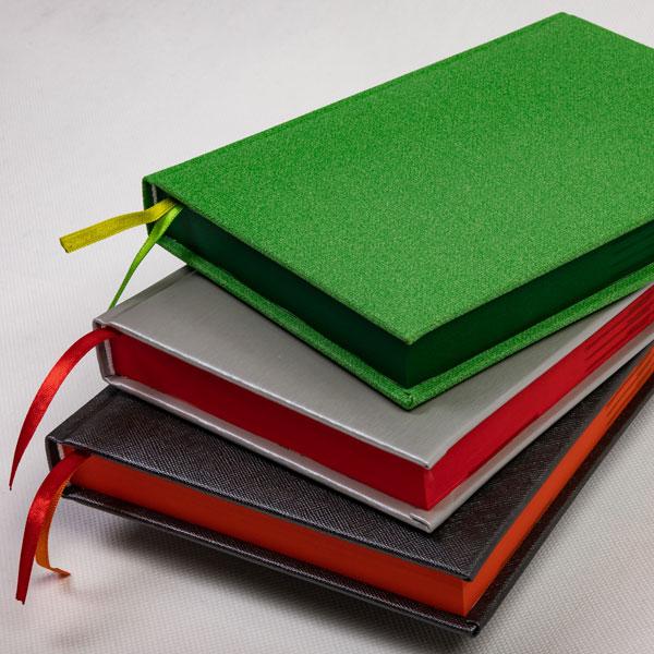 kalendarz książkowy barwione bloki