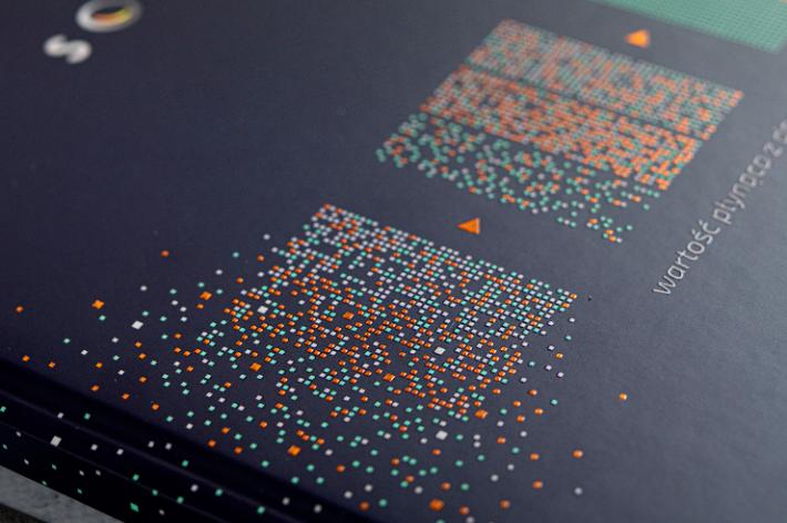 Okładka kalendarza z elementami pokrytymi miedzianą folią i lakierem wypukłym 3D
